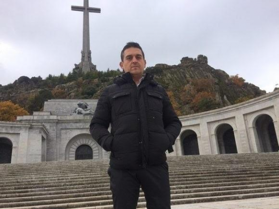 «Hay que vaciar el Valle de los Caídos y dinamitarlo»